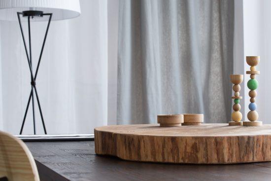 רהיטי עץ מלא